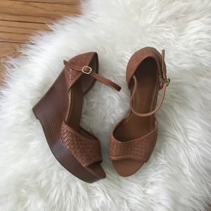 Banana Republic Woven Leather Brown Wedges